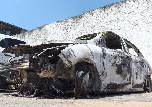 Veículo queimado no qual foi encontrado o provável corpo do embaixador Kyriakos Amiridis
