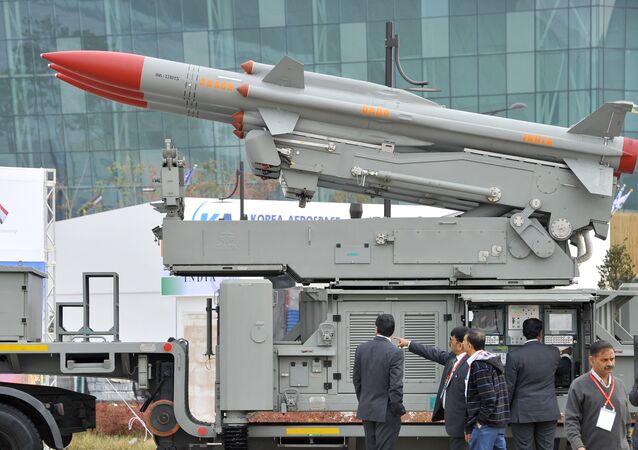 Sistema de mísseis antiaéreos Akash, da Índia