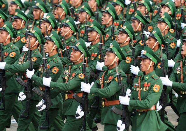 Desfile militar na capital do Vietnã, Hanói