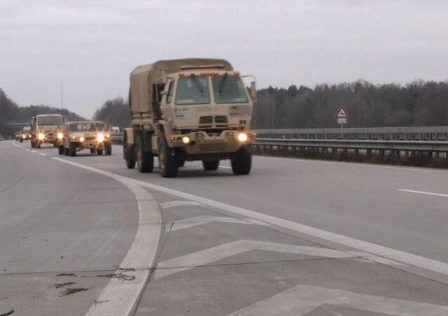 Material bélico dos Estados Unidos chegando à Polônia (arquivo)