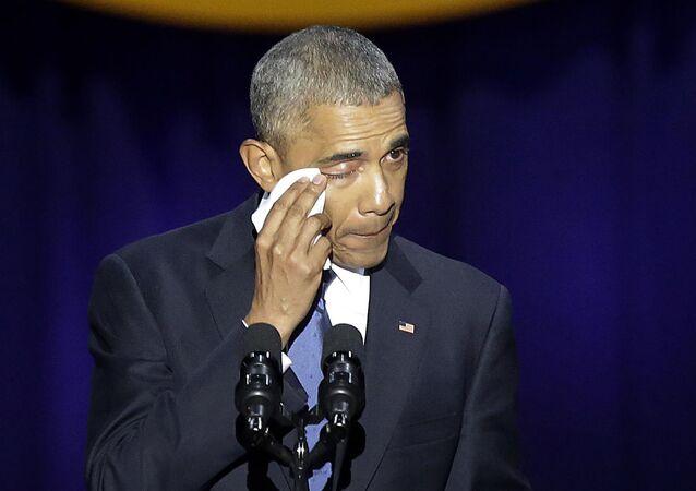 Overdose de emoção: Obama se despede da 'América'