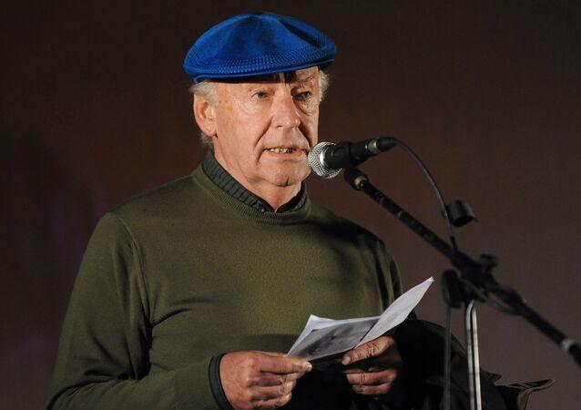 Eduardo Galeano, escritor uruguaio, faleceu nesta segunda-feira (13), aos 74 anos
