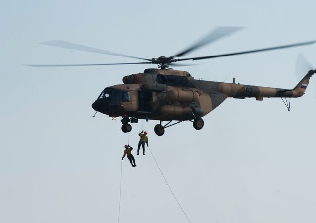 Helicóptero russo de transporte Mi-17