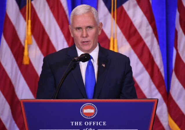 Mike Pence coletiva