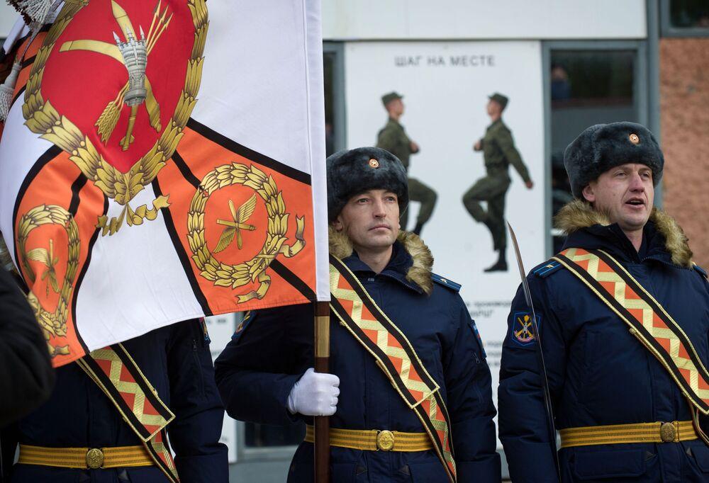 Cerimônia da entrada em função do sistema de mísseis S-400 em Teodósia, na Crimeia