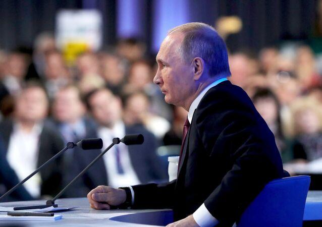 Vladimir Putin durante coletiva de imprensa anual realizada em 23 de dezembro