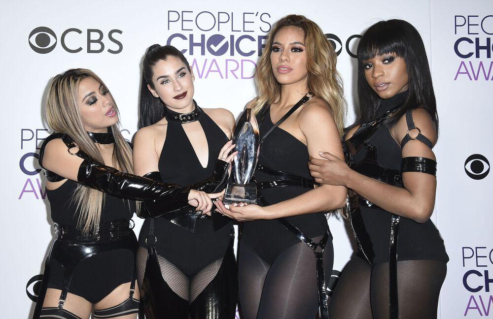 Grupo Fifth Harmony durante cerimônia People's Choice Awards