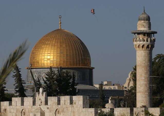 A balloon flies near the Dome of Rock at the Al-Aqsa Mosque compound, Islam's third most holy site, in the old city of Jerusalem