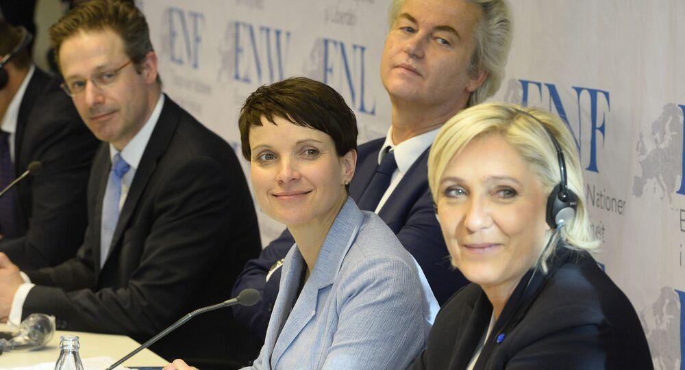 Reunião do grupo parlamentar Europa das Nações e das Liberdades no Parlamento Europeu em Coblença (Alemanha) - Marcus Pretzell, Geert Wilders, Frauke Petry e Marine Le Pen
