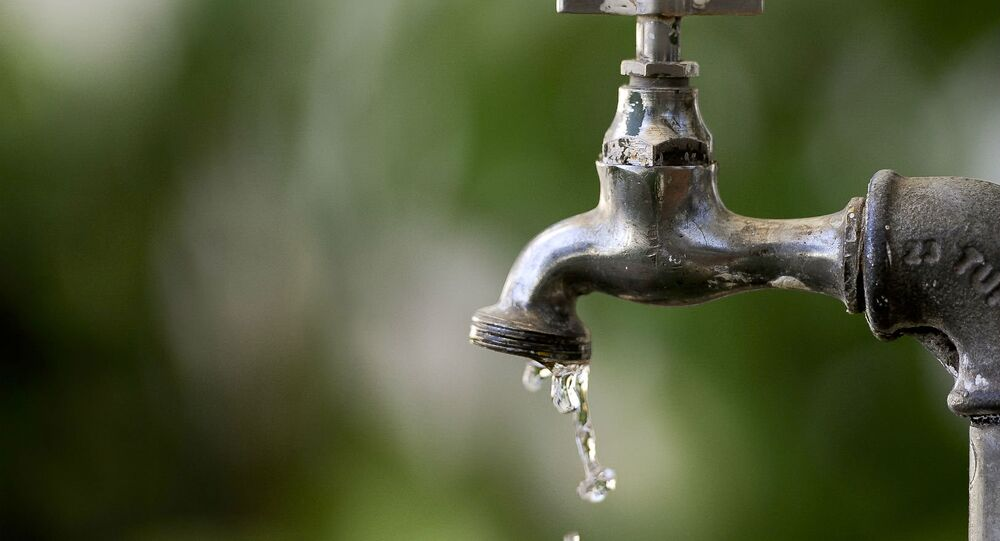Segundo especialistas, o desperdício de água no Brasil pode resultar em perdas de até R$ 25 bilhões até 2020