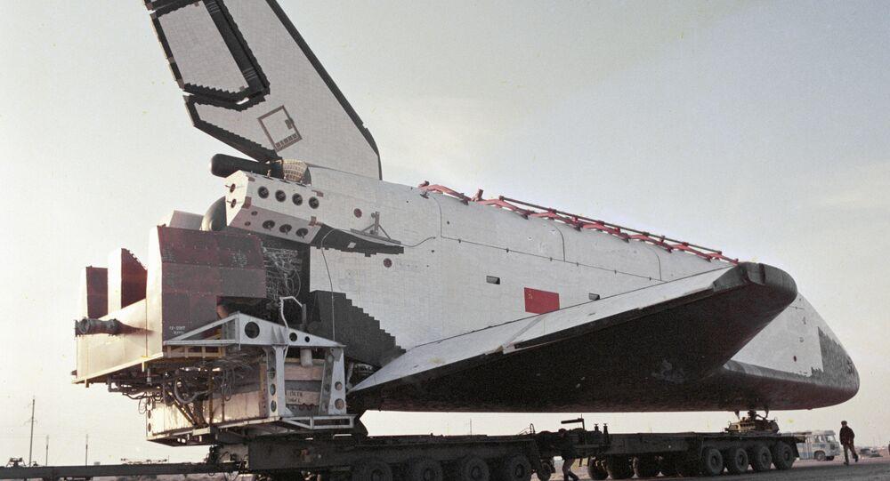 Veículo espacial de lançamento reutilizável russo Buran