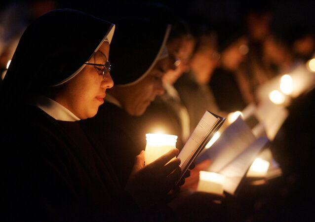 Freiras durante missa (imagem referencial)