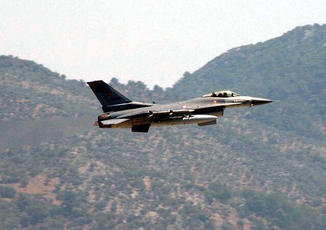 Caça da Turquia F-16 (foto de arquivo)