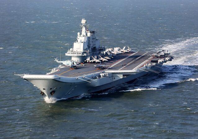 Porta-aviões chinês