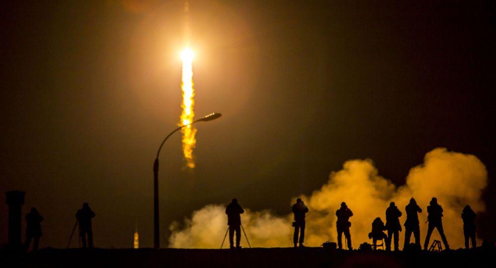 Lançamento da nave espacial Soyuz TMA-16M no cosmódromo de Baikonur