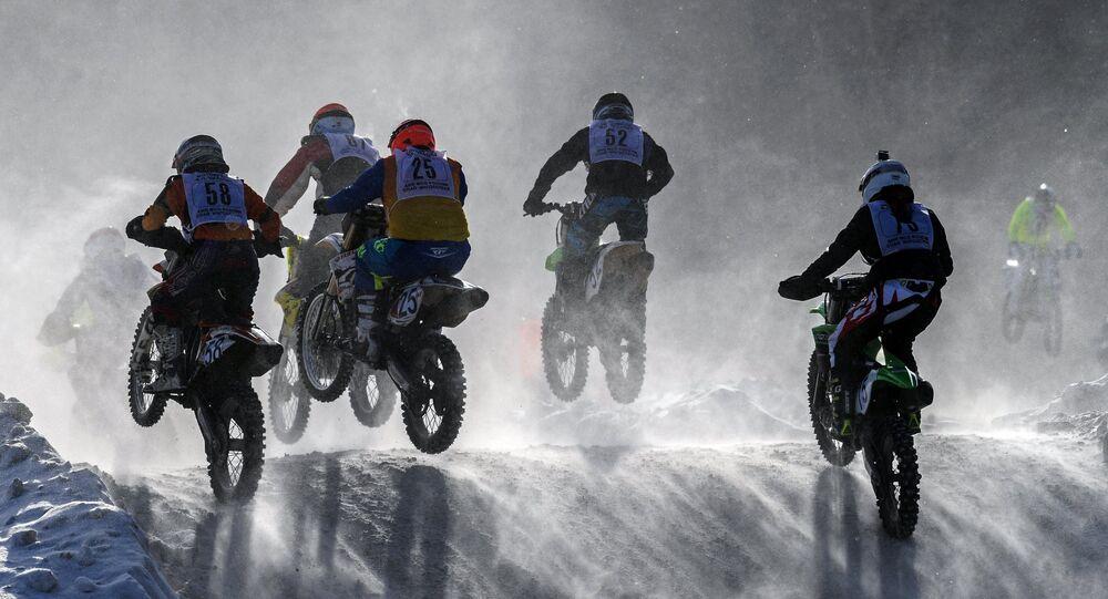 Competição de motocross em Moscou
