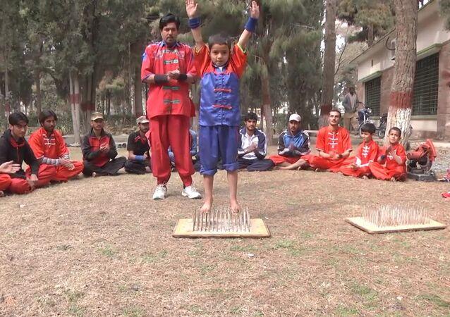 Bem-vindo à Escola paquistanesa de truques Balochistan