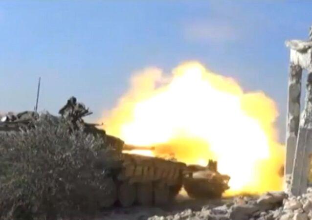 Infantaria síria desenvolve ofensiva contra posições do Daesh em Al-Bab