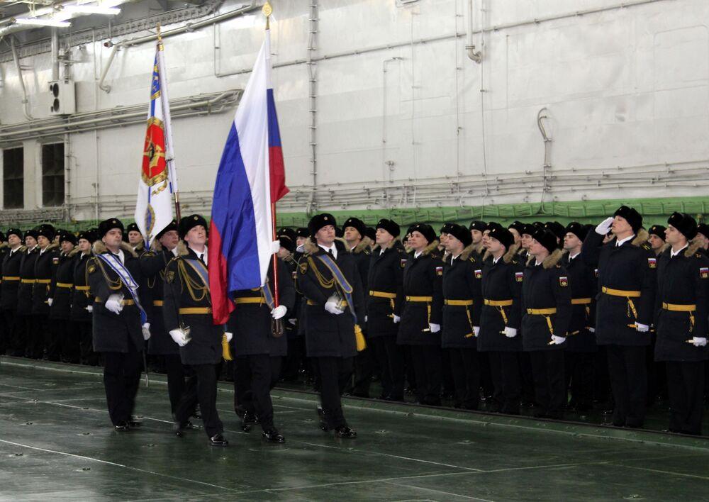 Cerimônia de recepção do porta-aviões Admiral Kuznetsov na base militar de Severomorsk