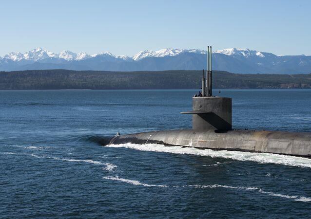 O USS Henry M. Jackson volta para seu porto de origem