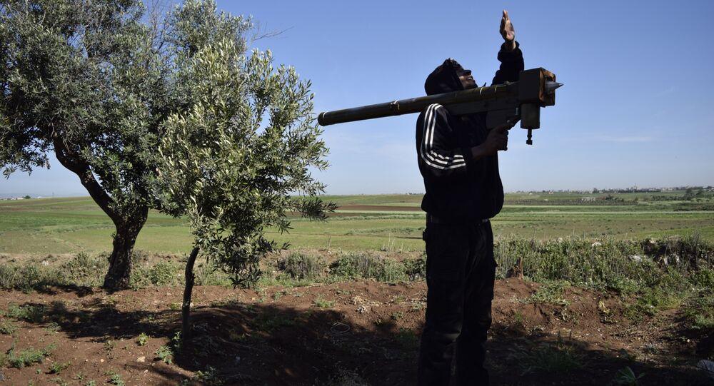 Militante com sistema MANPADS (foto de arquivo)