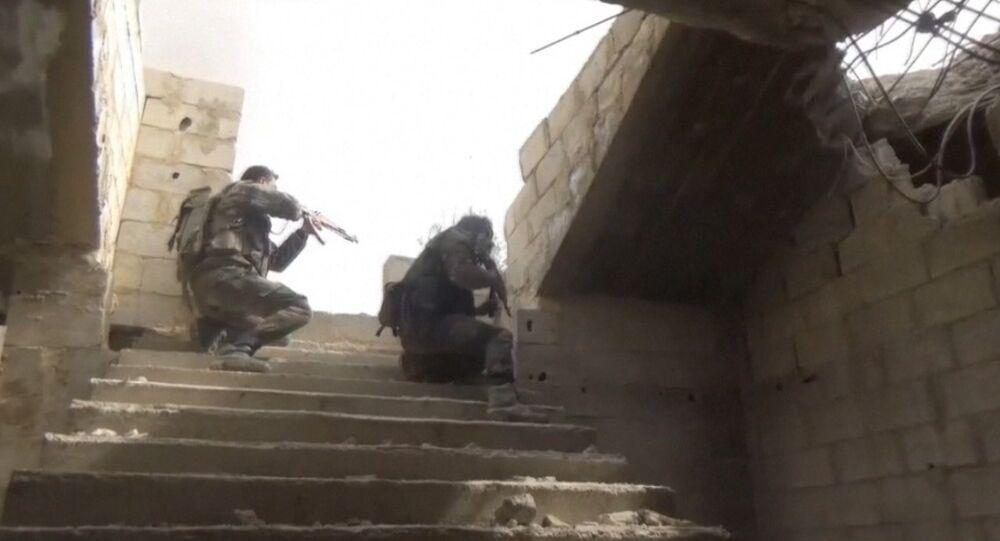 Exército sírio reforça suas posições na parte oriental de Ghouta (arquivo)