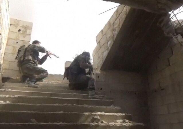 Exército sírio reforça suas posições na parte oriental de Ghouta