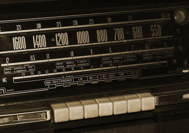 Kiev decidiu não renovar licença de rádio ucraniana que transmitia programas em língua russa