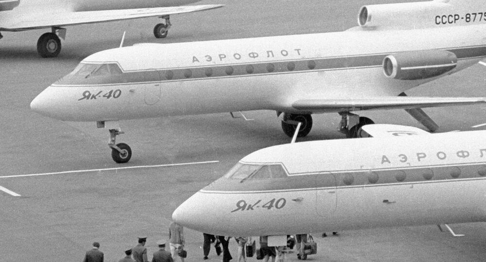 Avião Yak-40 no aeroporto de Osh, 11 de maio de 1974
