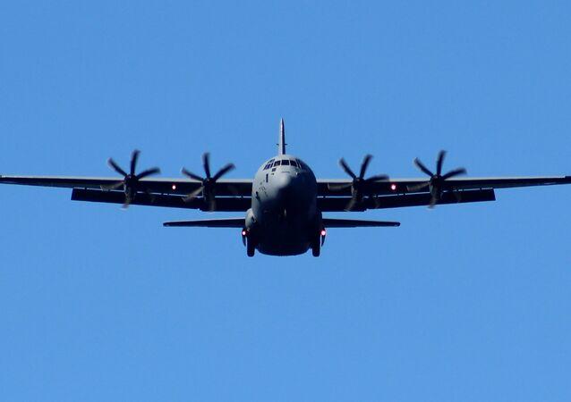Avião militar de transporte C-130J da empresa Lockheed Martin dos EUA (foto de arquivo)