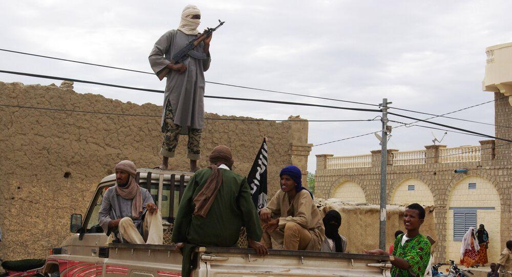Militantes islamitas ligados à Al-Qaeda em Timbuktu, no Mali (foto de arquivo)