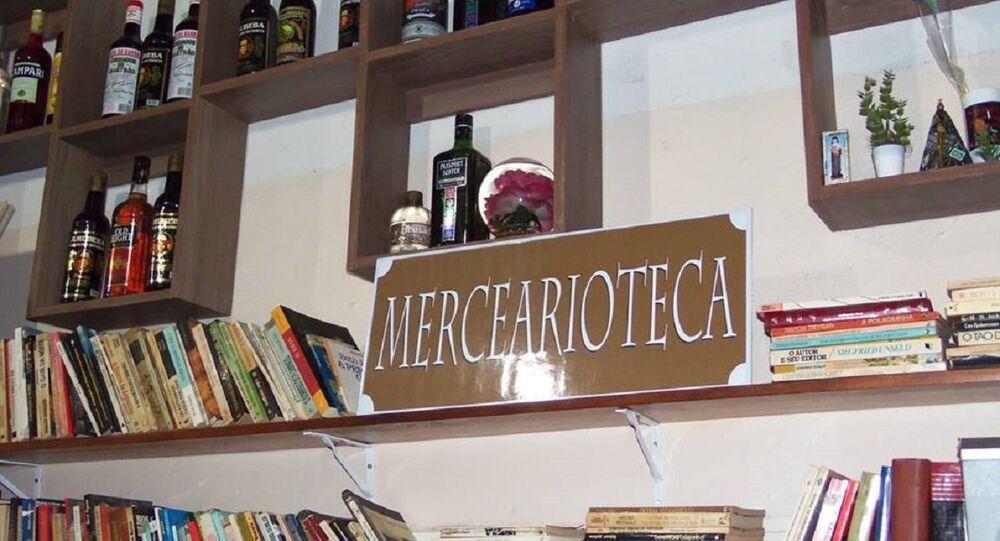 Mercearioteca no bar Tudo no Ponto em Belo Horizonte, Minas Gerais.