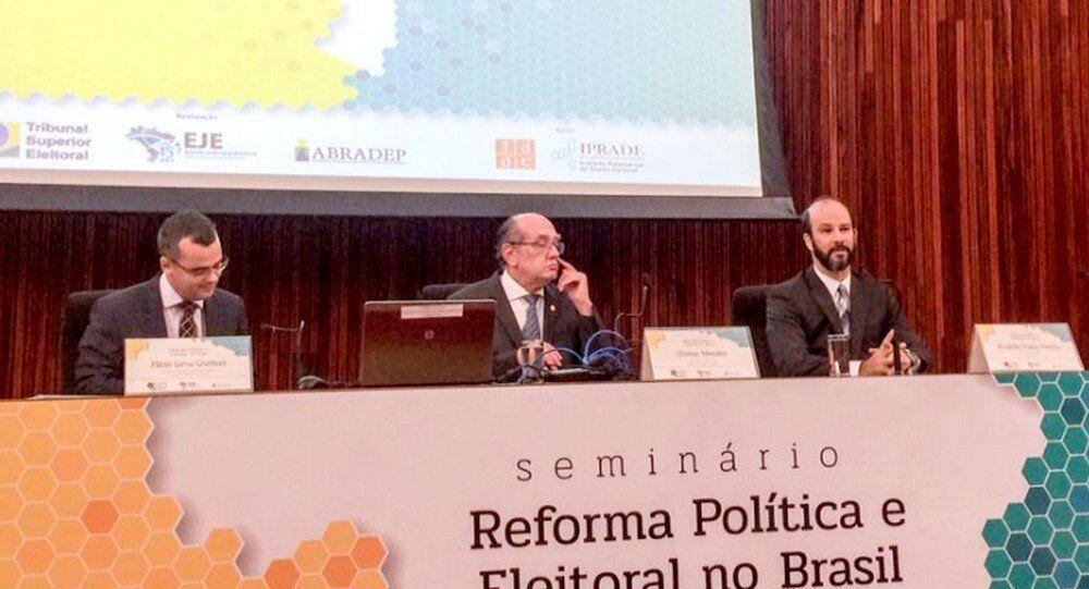 O ministro Gilmar Mendes  criticou que os vazamentos dão a entender que o Brasil é um país de trambiques