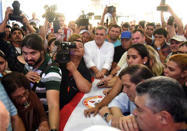 Cerimônia de despedida do oposicionista paraquaio, Rodrigo Quintana, morto nos protestos populares