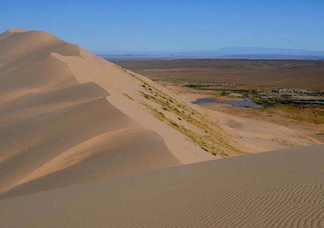 Deserto de Gobi, ao norte da República Popular da China