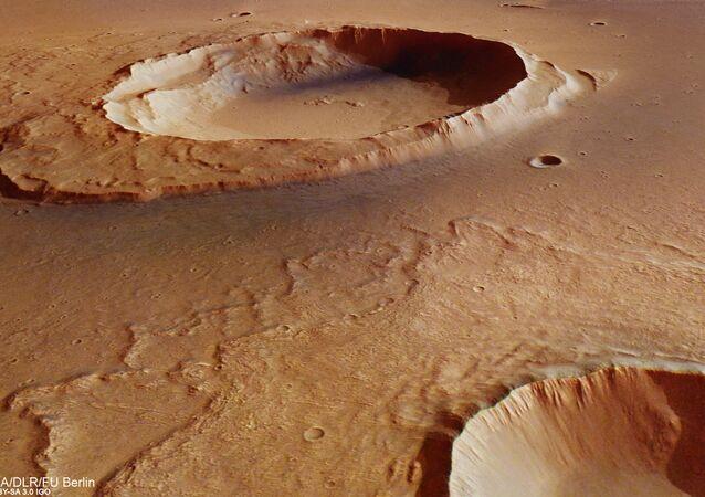 A sonda Mars Express, da Agência Espacial Europeia (AEE), capturou imagens impressionantes de rastros da catástrofe que afetou Marte 3.500 milhões de anos atrás. A forte inundação criou um canal de 3.000 quilômetros de longitude e de 25 quilômetros de largura