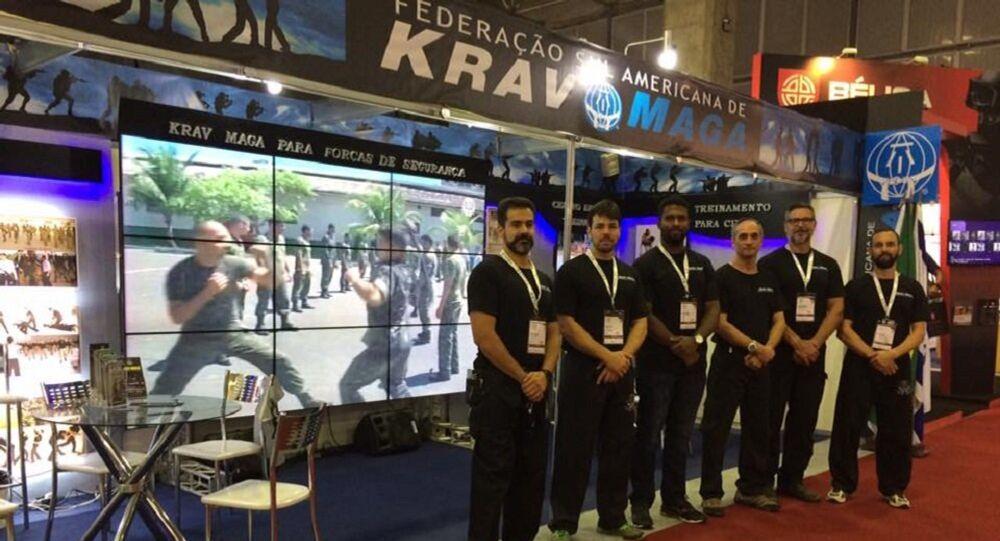 Estande da Federação Sul-Americana de Krav Maga na feira de defesa e segurança LAAD 2017