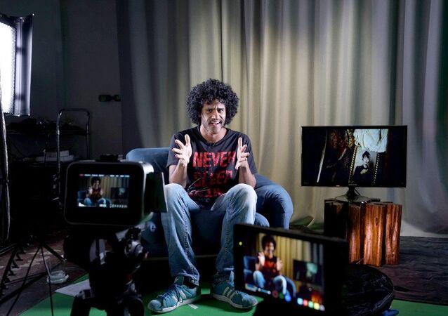 Gerson descrevendo mais um filme de terror para os fãs do canal 'O Terror na Tela'.