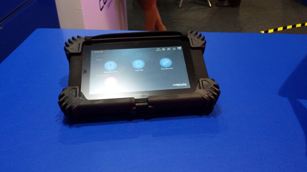 UFED touch, equipamento da Cellebrite para extrair dados de celulares, smartphones, dispositivos portáteis de GPS e tablets