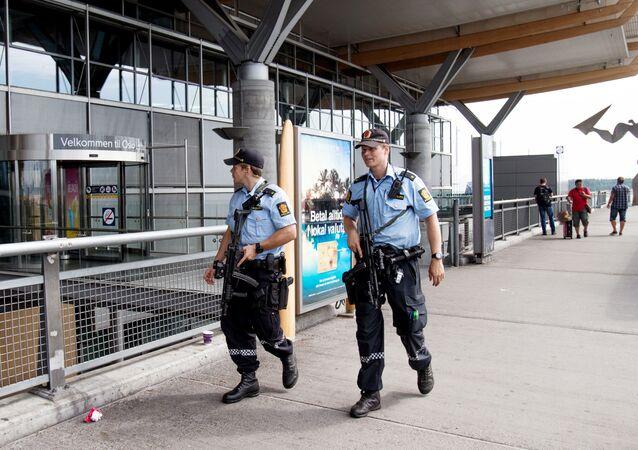 Agentes da polícia norueguesa em Oslo
