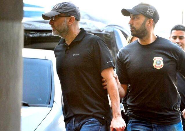 Operação Fatura Exposta da Polícia Federal prende o ex-secretário estadual de Saúde do Rio, do governo Cabral e ex-diretor do Into, Sérgio Côrtes