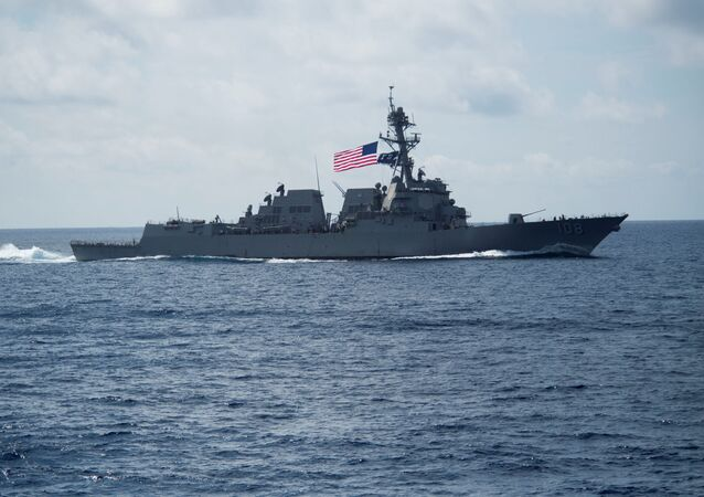 Destróier USS Wayne E. Meyer, da classe Arleigh Burke, no mar do Sul da China (foto de arquivo)