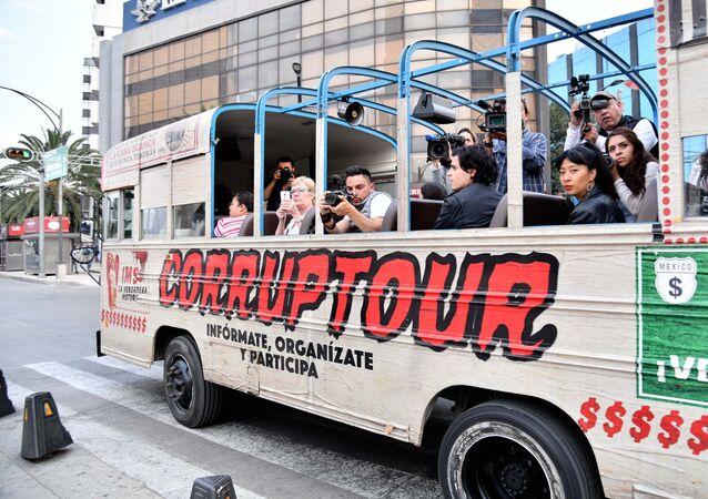 Ônibus do Corruptour