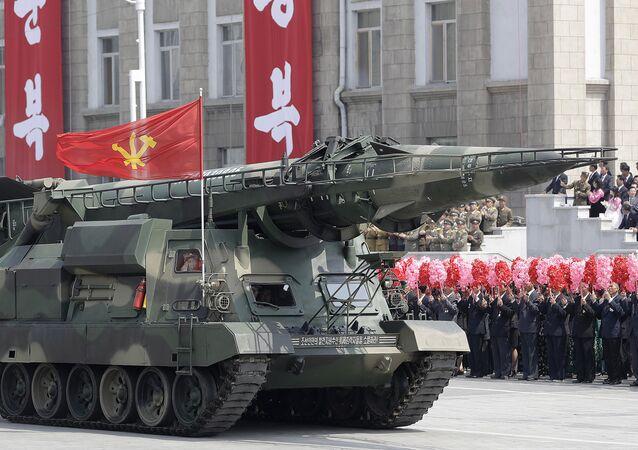 Mísseis no desfile militar dedicado ao aniversário de Kim Il sung em Pyongyang, 15 de abril de 2017