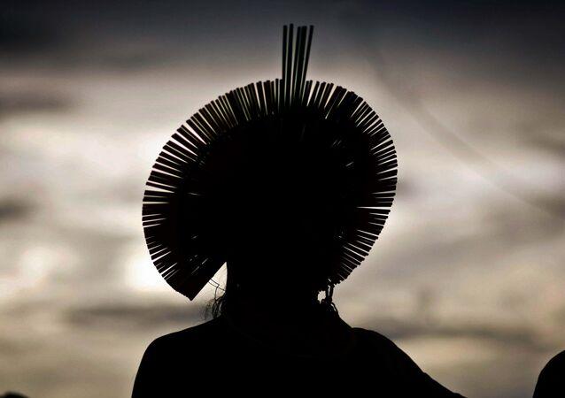 Índio com cocar durante a Semana dos Povos Indígenas no Pará