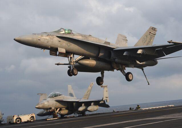 Caça F/A-18 norte-americano