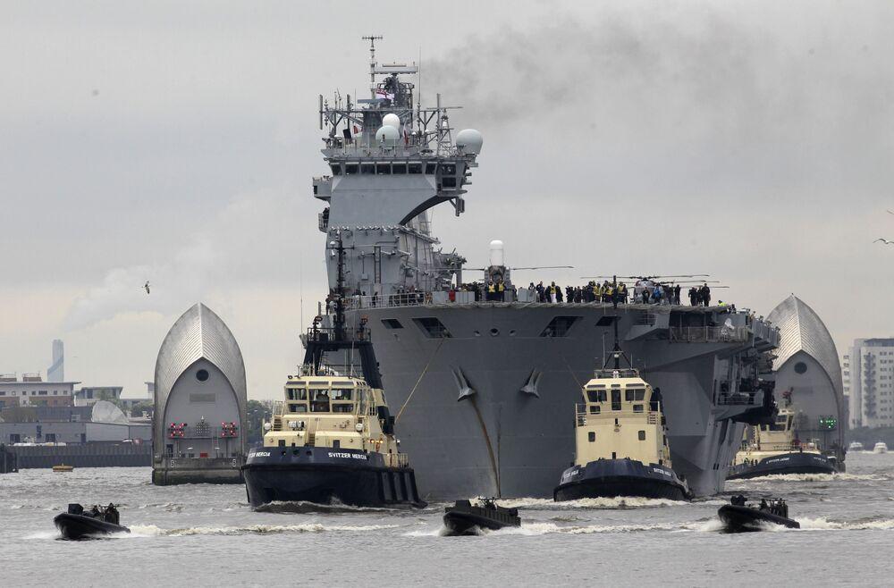 O HMS Ocean é um porta-helicópteros e navio de assalto anfíbio que pertencente à Marinha do Reino Unido. Atualmente é considerado o maior navio da Marinha Real Britânica e seu navio-almirante. Foi construído em 1994 e entrou em serviço em 1998. Apesar de em 2014 ser sujeito a uma modernização que foi estimada em £ 65 milhões (R$ 261,101 milhões), o HMS Ocean será desativado em 2018, segundo o Ministério da Defesa britânico. É provável que quando sair do serviço seja colocado à venda