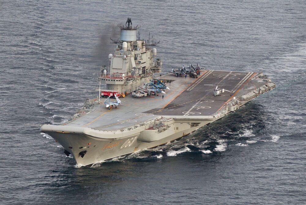 O Admiral Kuznetsov é um porta-aviões que serve como navio-almirante da Marinha da Rússia. O navio foi inicialmente construído sob o nome de Riga, mas foi lançado sob o nome de Leonid Brezhnev, realizou testes de mar se chamando de Tbilisi e no final foi nomeado em honra do antigo comandante-em-chefe da Marinha Soviética, almirante Nikolai Kuznetsov (1904-1974). Em 2017, o navio deverá ser modernizado, o que aumentará o tempo de seu serviço para 25 anos