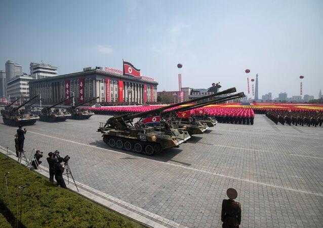 Desfile militar em Pyongyang (foto de arquivo)