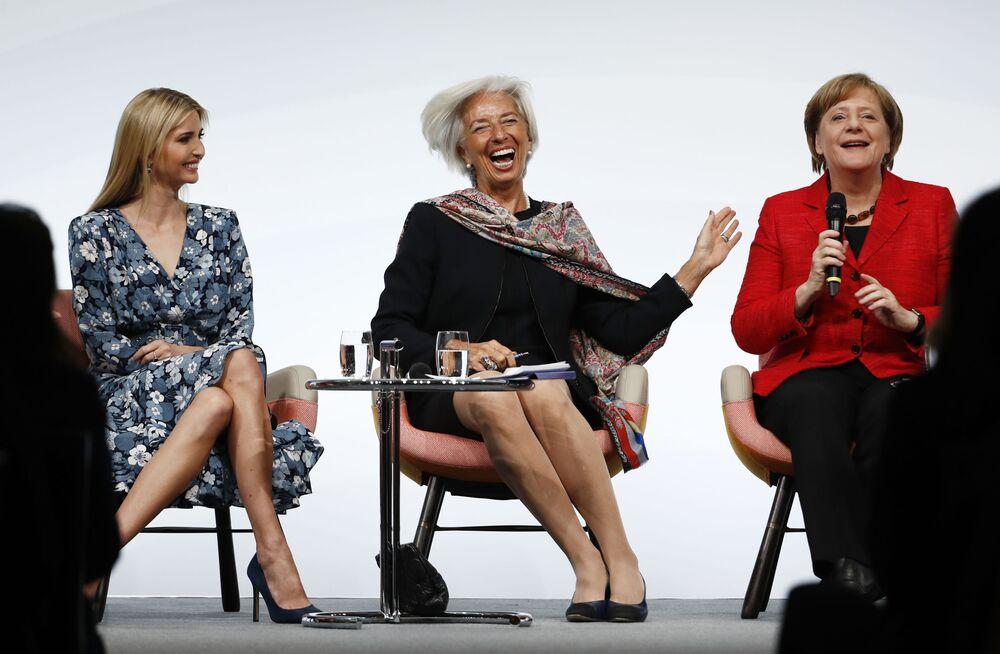 Ivanka Trump, filha e assessora do presidente dos EUA, Donald Trump, a atual diretora-gerente do FMI, Christine Lagarde e a chanceler da Alemanha, Angela Merkel na cúpula das mulheres do G20